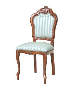 Stuhl mit Schnitzerei