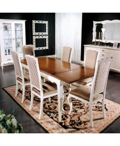 Eleganter Tisch