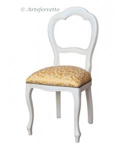 Klassischer Stuhl lackiert