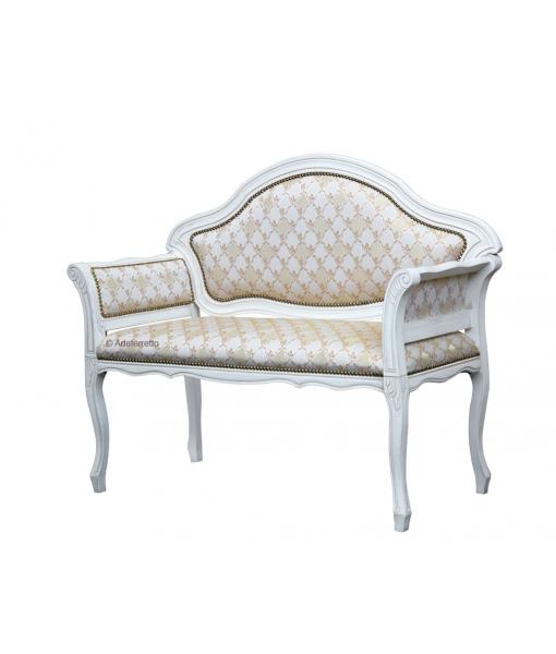 Kleines sofa mit polsterung frank m bel for Kleines rundes sofa