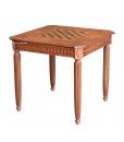 Spieltisch mit gedrechselten Beinen