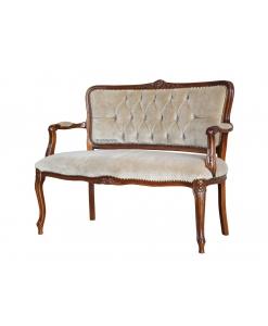 Sofa klassisch mit Knöpfen
