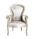 Sessel mit Schnitzerei klassisch