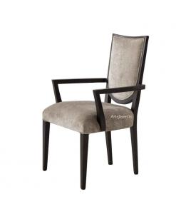 Moderner Stuhl mit Armlehnen
