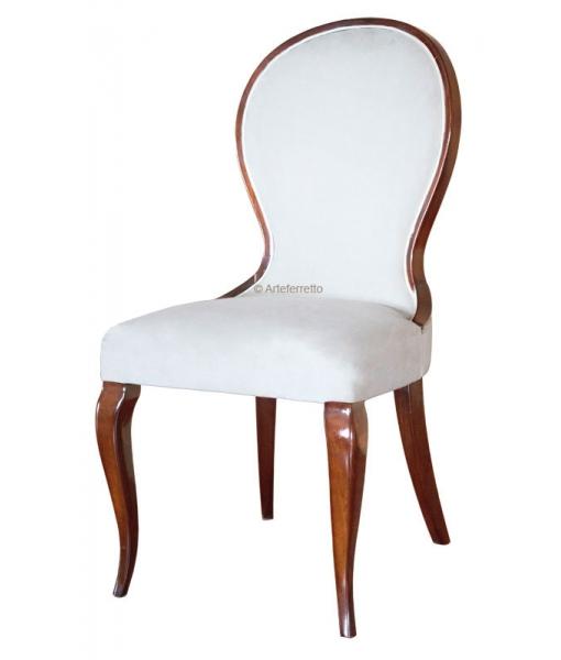 Klassischer Stuhl gepolstertt