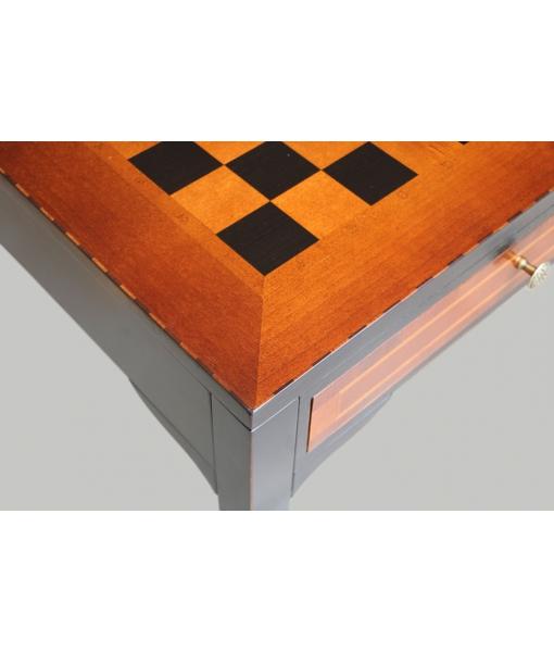 Schachbrett mit Tisch