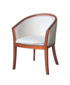 kleiner Sessel klassisch
